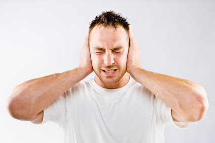 douleur oreille sifflement acouphene bruit